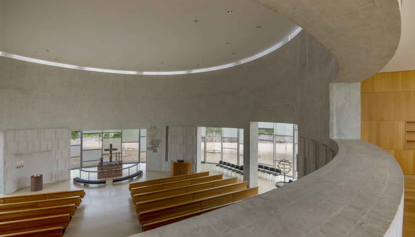 Helligtrekongers Kirke Vallensbæk interiør