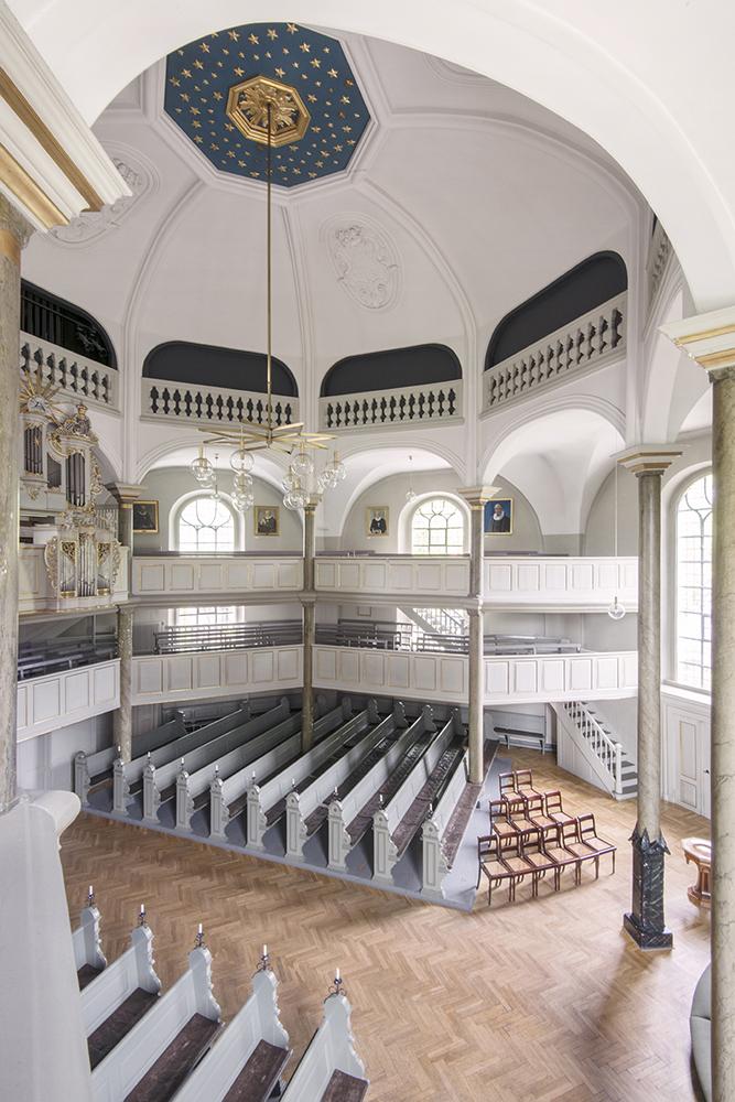 Frederiksberg Kirke interiør før restaurering Elgaard Architecture
