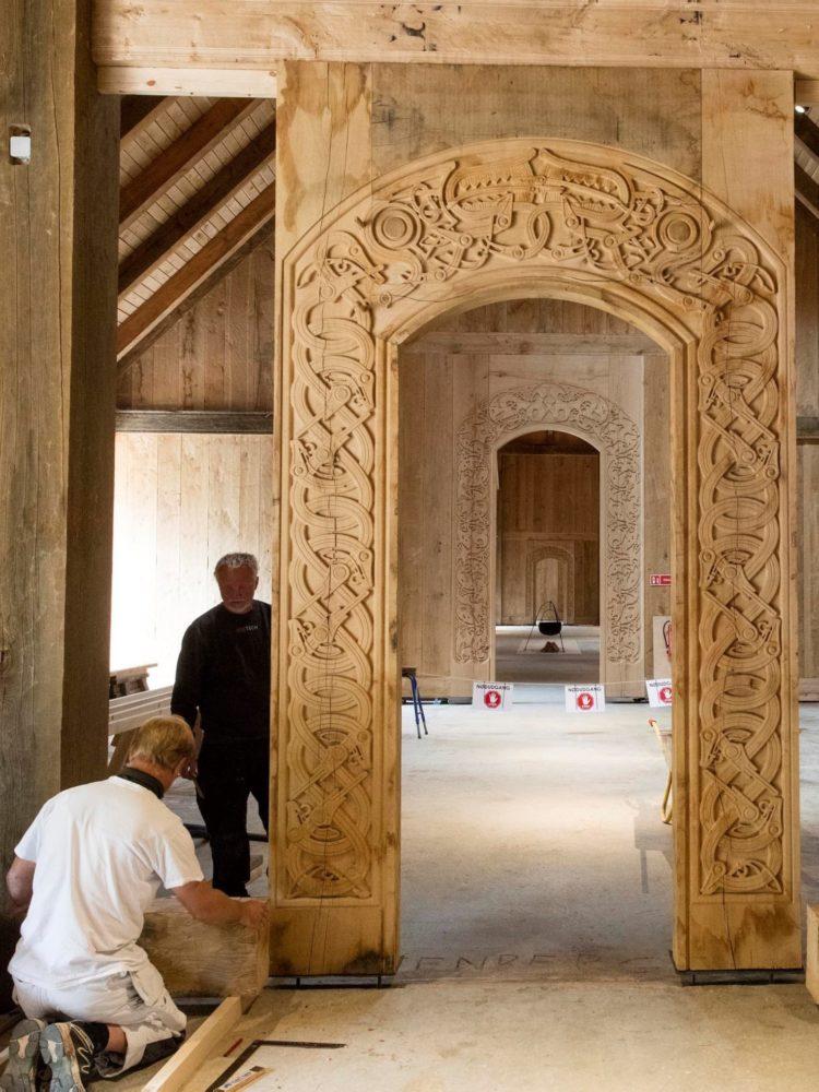 Sagnlandet Lejre kongehallen træskærerarbejder portaler Elgaard Architecture