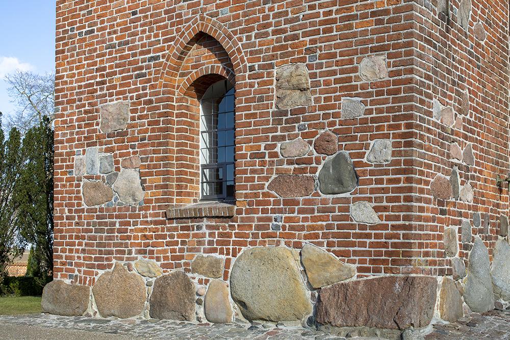 Veksø Kirke eksteriør vindue restaurering Elgaard Architecture
